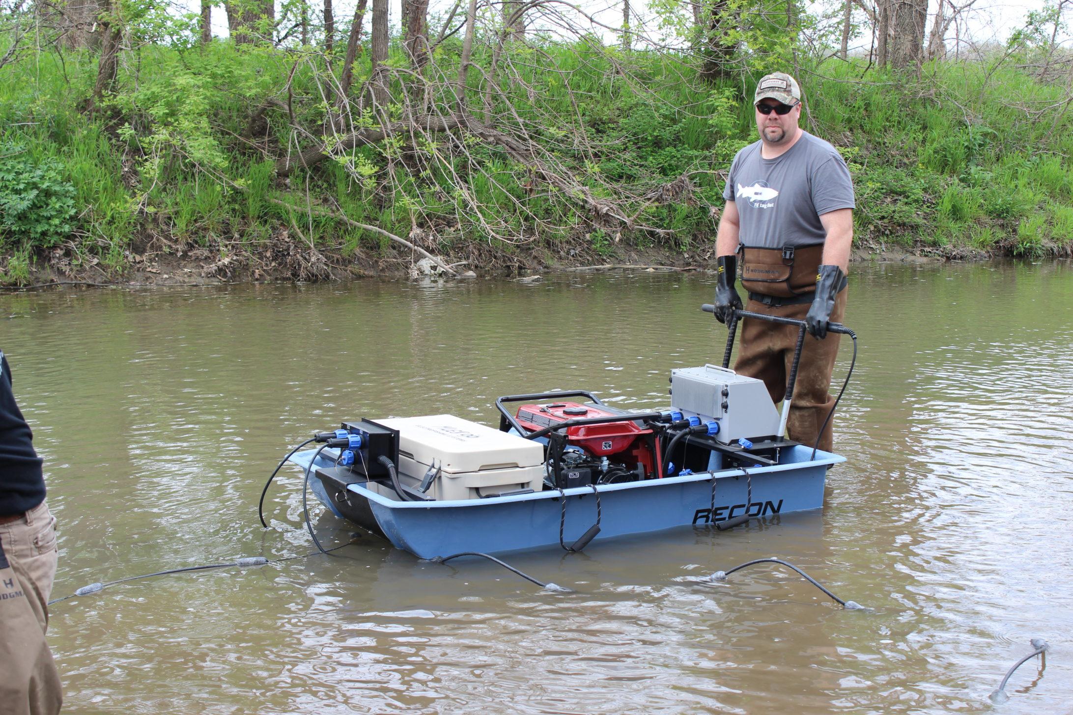 Recon Mini Boat Electrofishing Tote Barge Midwest Lake
